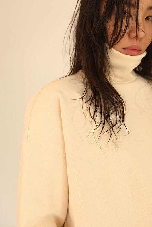 FOR HER. TURTLENECK SWEAT SHIRT - IVORY